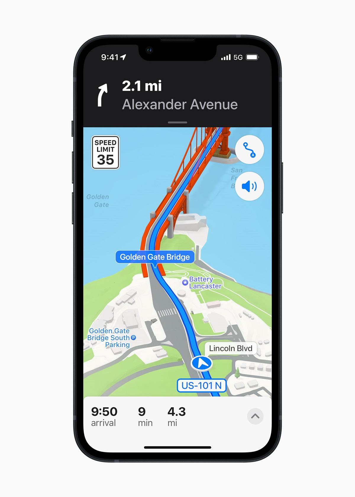 Совершенно новые возможности навигации по городу и исследования доступны в Apple Maps с более реалистичными и красочными деталями.