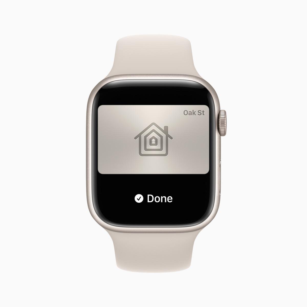 Владельцы Apple Watch могут добавить ключи от дома или офиса и нажать на часы, чтобы разблокировать их.