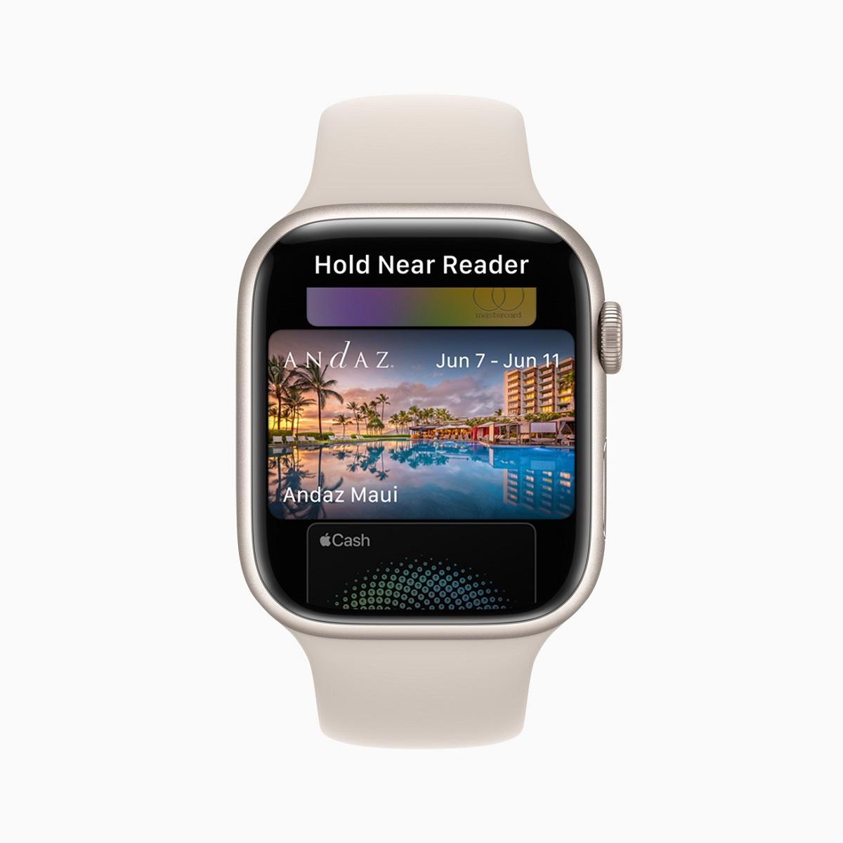 Владельцы Apple Watch могут добавить ключи от гостиничного номера в Wallet и нажать на часы, чтобы разблокировать их.