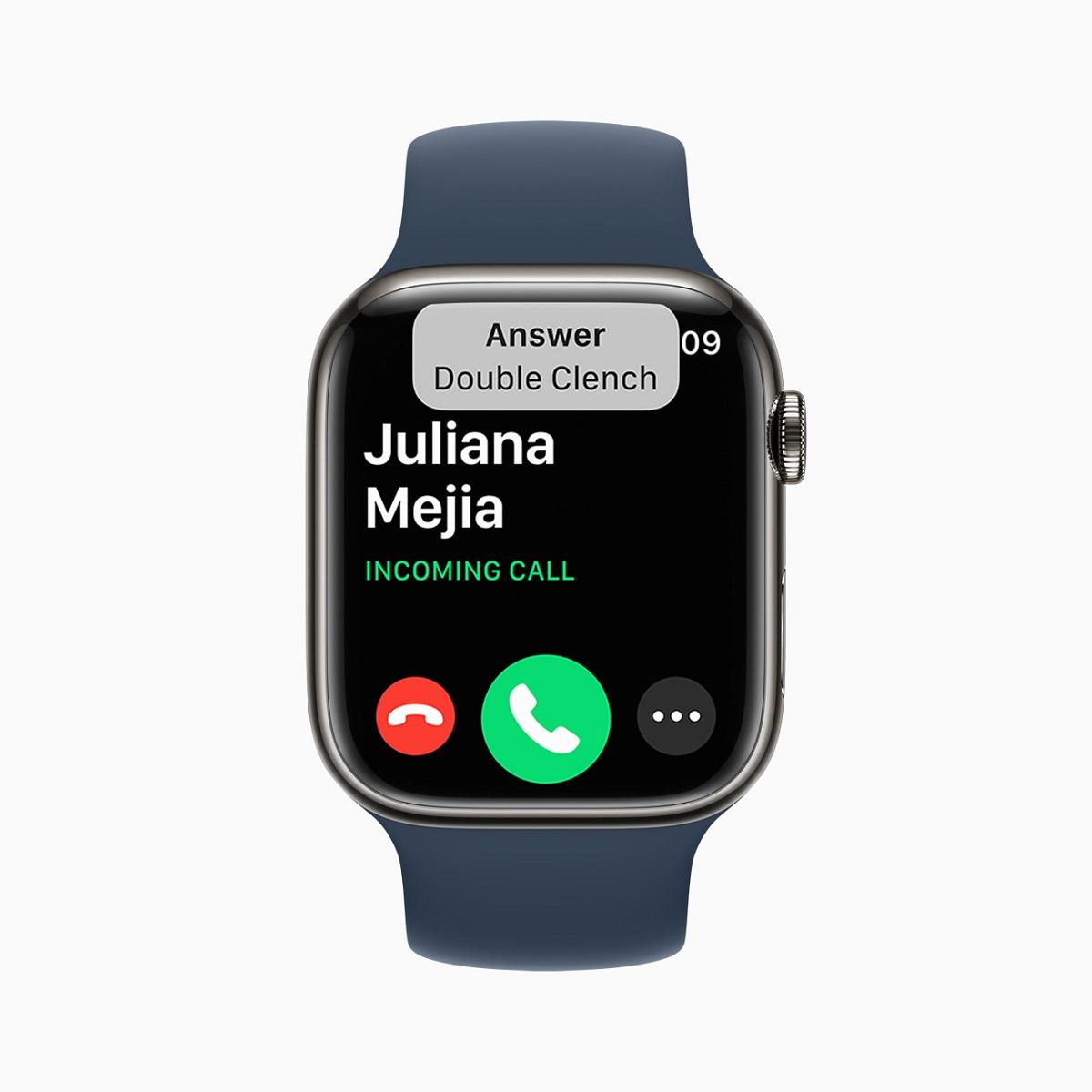 Чтобы поддержать пользователей Apple Watch с разницей в верхней части тела, AssistiveTouch позволяет использовать Apple Watch одной рукой, распознавая простые жесты рук для взаимодействия, не касаясь дисплея.